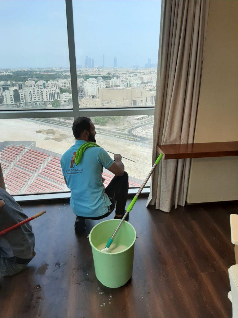 Deep Window Cleaning